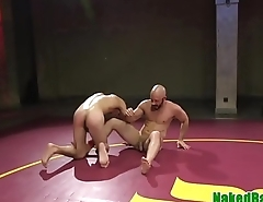 Dominant wrestling hunk spanking ass of a take the weight