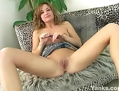 Yanks Nadia Loves to Cum