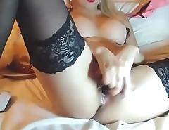 Hot Blonde Celebrity Plays on Cam
