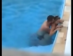 hott couple ki public swimming pool me chudaai