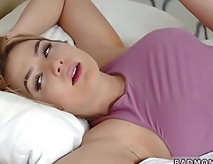 porn hd Sly Stepmom Catches A Fox