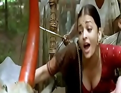 Aishwarya Rai boobs cleavage show in guru song