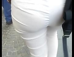 Milf has a beautiful ass