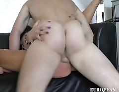 Young boy fuck in ass the owner of the house