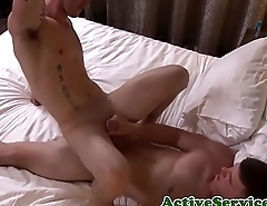 Amateur jocks banging before masturbating