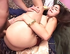 Blackguardly Skin Sexy Babe Seducing White Stuf With Blowjob