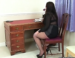 English mums in tights part 2