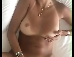 YOUNG SLUT MASTURBATING WITH VIBRATOR ON JUICY SHAVED PUSSY