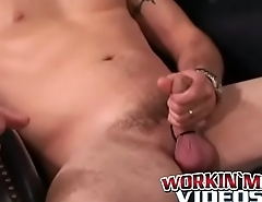 Homo plumber tugging and stroking until a happy ending