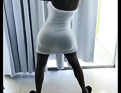 Hot girl twerk (big ass black girl)